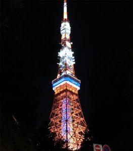 夜の東京タワーに行く